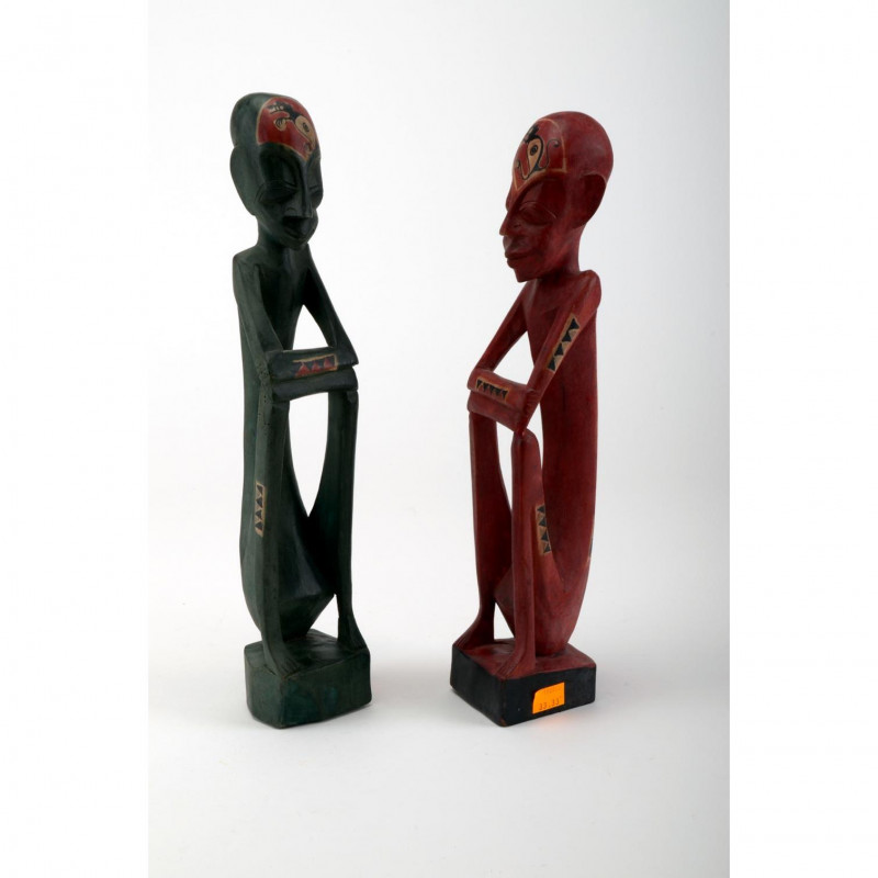 Drewno statuetka