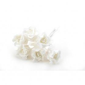 Искусственные цветы: связка розочек