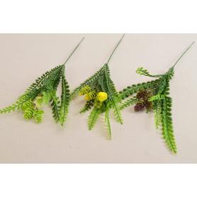 Kwiaty sztuczne: zielony dodatek z szyszkami