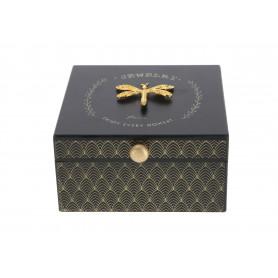 Drewniane pudełko na biżuterie
