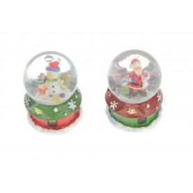 Bożonarodzeniowa kula śnieżna na domku mix