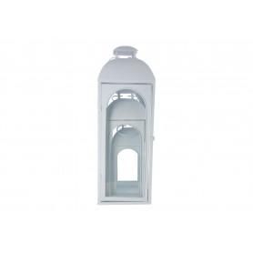Białe metalowe latarnie